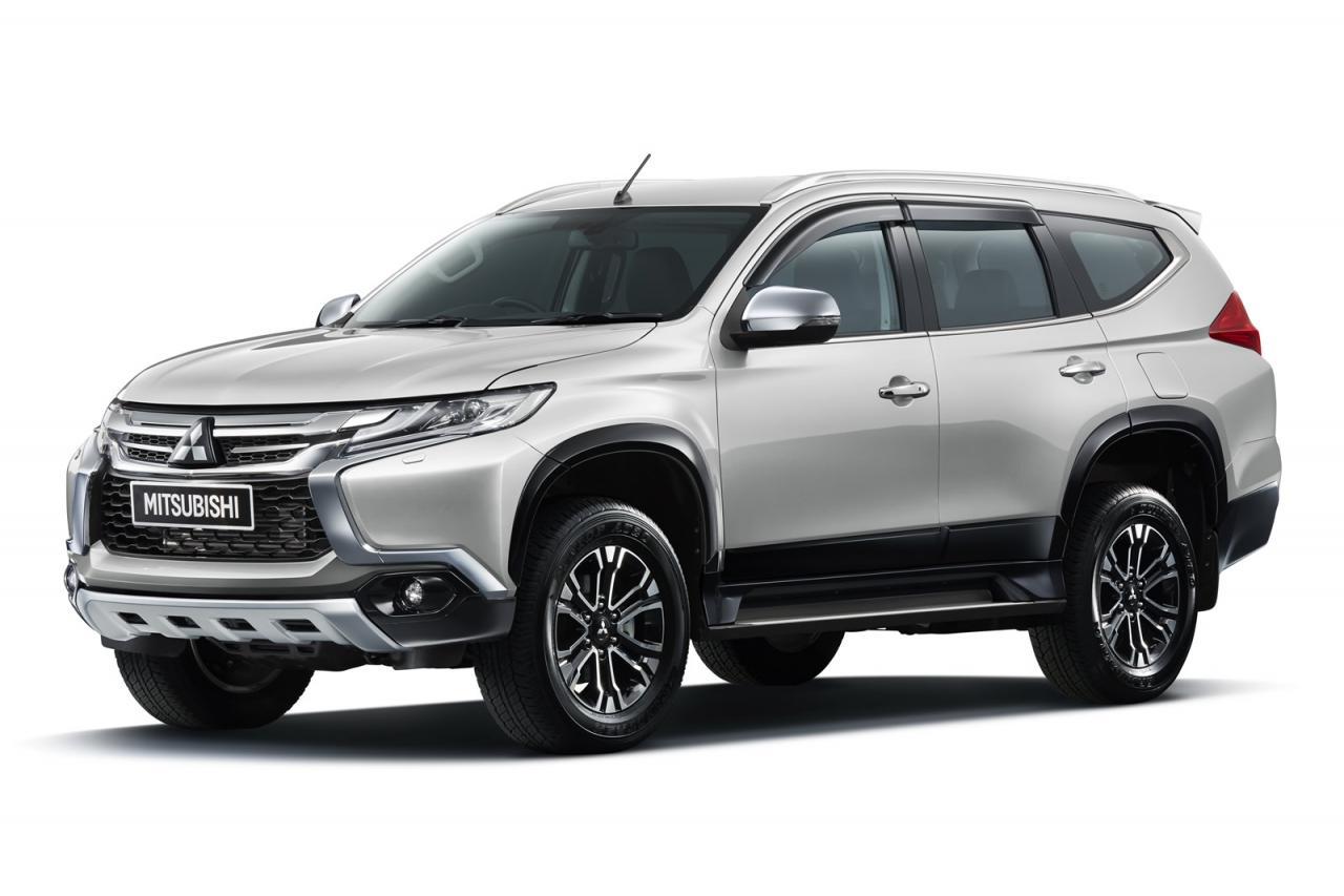 Mitsubishi sport pajero 2016