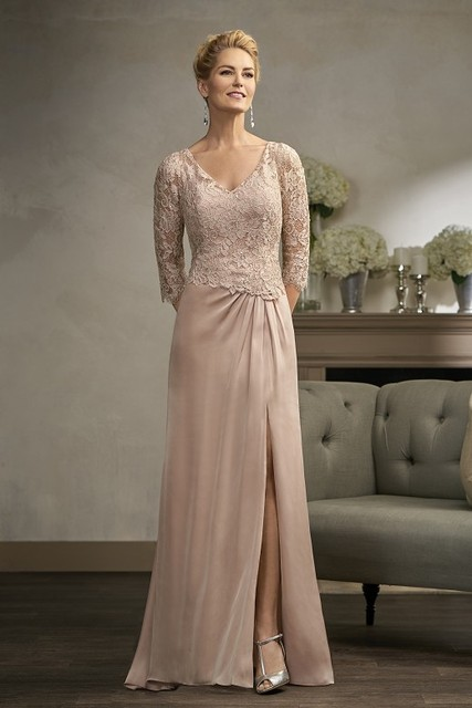 Elegante Champagne Com Decote Em V Manga Três Quartos Lace Slit A Linha Mãe da noiva vestidos Plus Size Evening Formal Vestidos Vestido