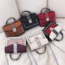 messenger bag of women 2018 fashion rivet Ladies shoulder bag leather flap bag Female handbag red Chain crossbody bags Bolsos