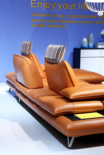 Deluxe Leather Recliner Sofa 4