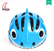 2018 MOON shark bicycle helmet skateboard climbing kids helmet PC in mould cycling helmet