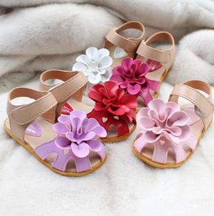 Crianças de verão sandálias para menina 3D grande flor cowhells fundo tecido pu meninas sapatos sandálias princesa bebê sapatos varejo