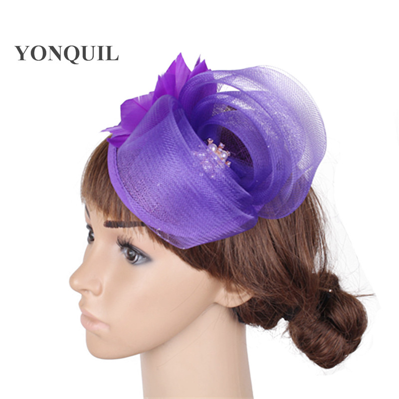 Rhinestore decorado loop sinamay chapéus fascinator pena