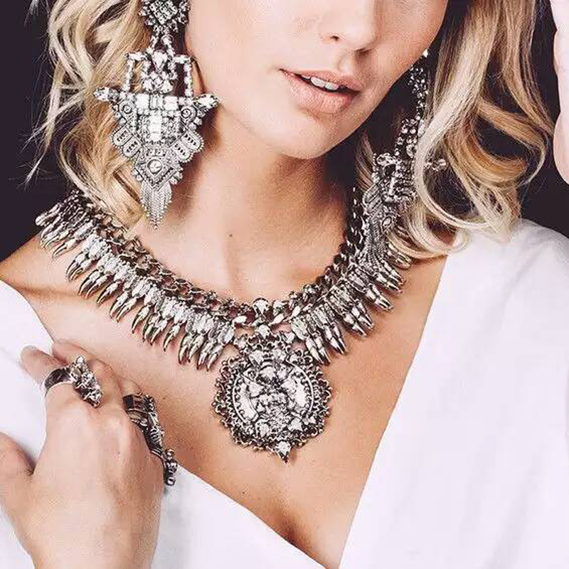 Ztech New Vintage Necklace Set With Earring Crystal Exaggerated Big Brand Luxury Charm Statement Necklace & Pendant Jewelry Set