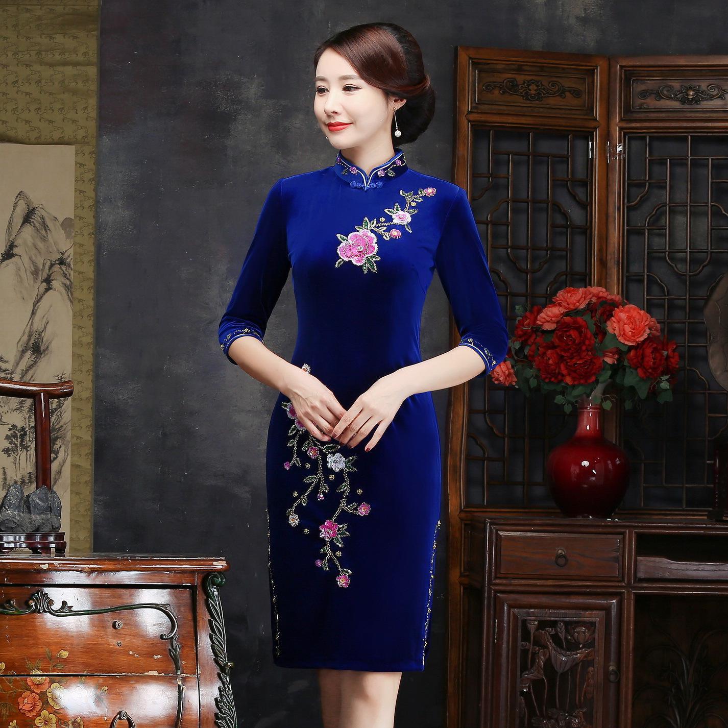 Осень зима для женщин вышивка Qipao пикантные высокие разделение Cheongsam Oversize 3XL 4XL Винтаж ручной работы и пуговицы платье Vestiidos - Цвет: Blue Short
