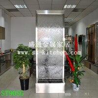 Современный водяной экран из нержавеющей стали и прозрачного закаленного стекла с насосом, точечным освещением.