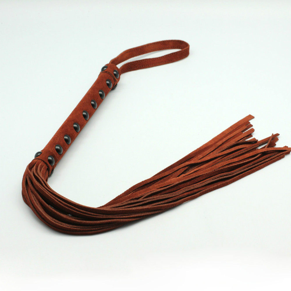 купить 55cm Top Leather flogger spanking horse whip,Brown Suede Spanking flogger whip, flirting spanker sex products, Adult sex toys по цене 2305.12 рублей