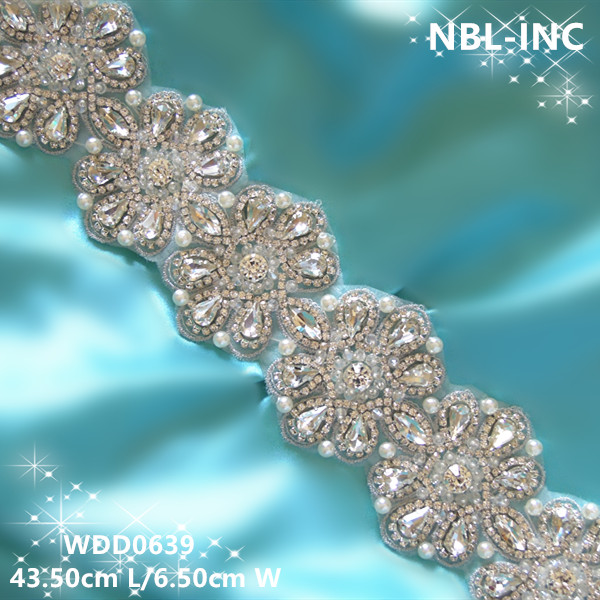 (30 pieces) Wholesale bridal sash hand beaded silver clear crystal  rhinestone applique for wedding dresses sash belt WDD0639 d85343a3e216