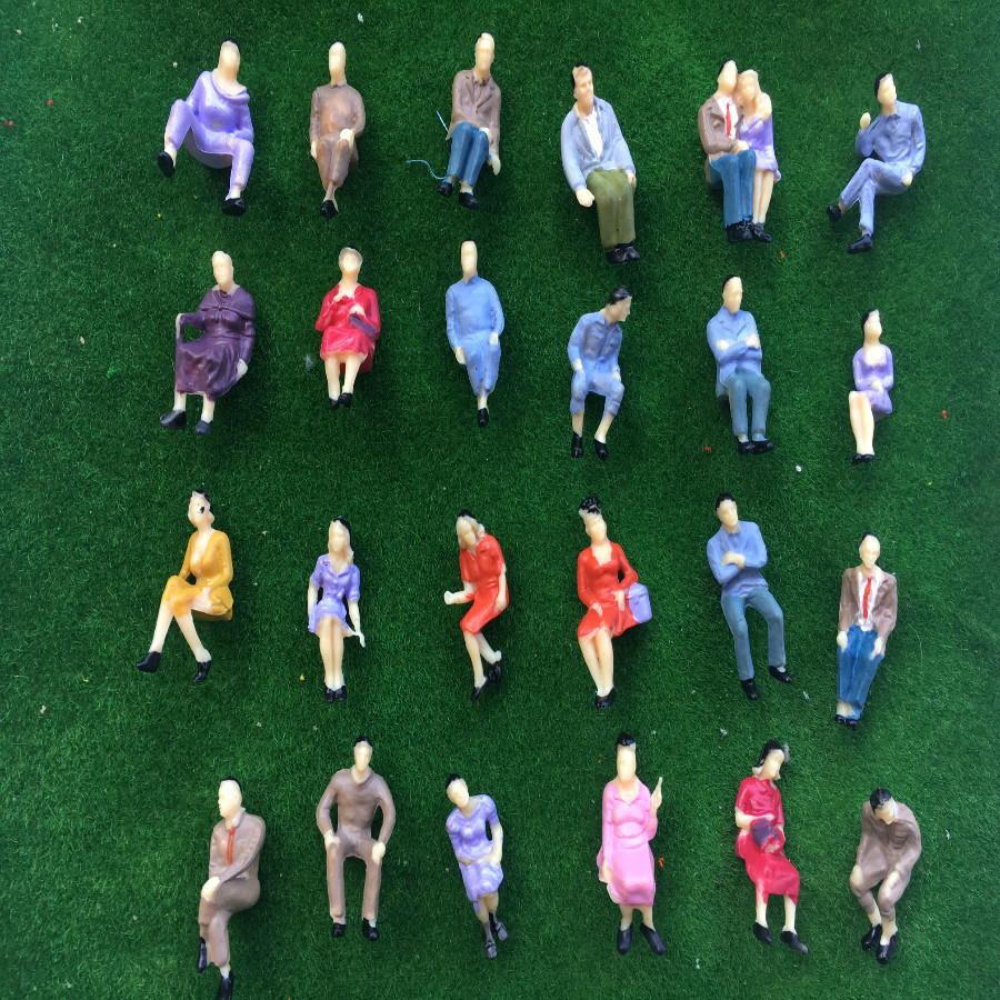 25Pcs 1:75 Mixed Sitting Position Painted People Figures Model Train Sand Table