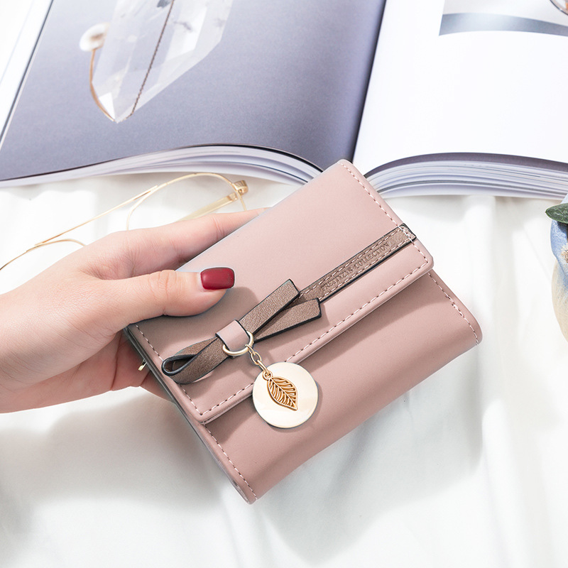 2019 New Designer Bowknot Leaf Pendant Women Wallet Small Female Purse Brand Short Ladies Wallet Leather Coin Purse Card Holders