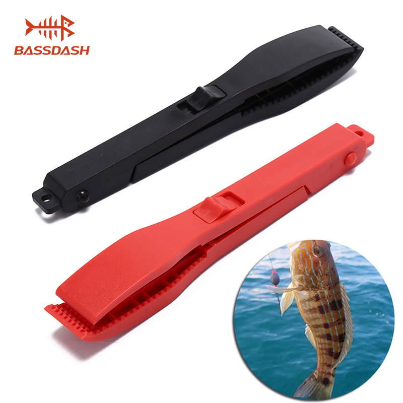 Bassdash Multifunctional Fishing Fish Clip Hand Controller Tackle Tool Fishing Body Grip Clamp Gripper Grabber With Lock Switch