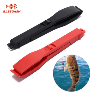 Bassdash Multifunctional Fishing Fish Clip Hand Controller Tackle Tool Fishing Body Grip Clamp Gripper Grabber with Lock Switch(China)