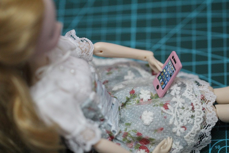 Free Shipping,Girl Birthday Gift DIY 2pcs doll phones doll accessories For Barbie Doll,phone for blythe, FR,for monster inc doll 4pcs simulation of food dollhouse for bjd doll for blythe new fashion doll accessories food for barbie doll free shipping