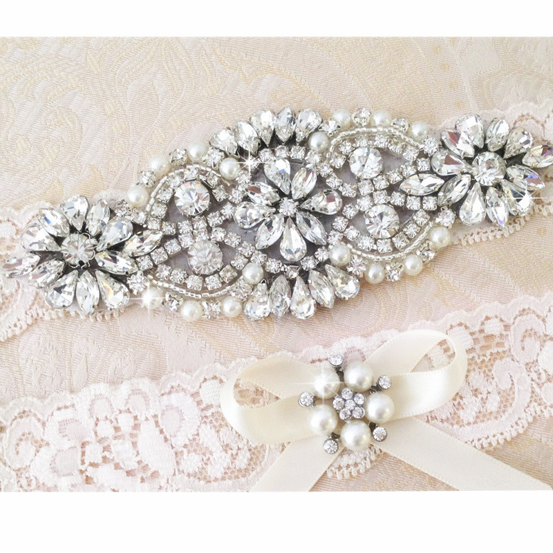 Crystal Wedding Garter: Wedding Bridal Garter Set Crystal Rhinestone Pearl White