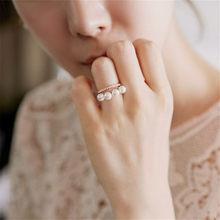 Nowe mody kobiet koreański podwójna warstwa elegancki imitacja perły koraliki pierścień regulowany błyszczące Rhinestone Wedding Ring Party biżuteria