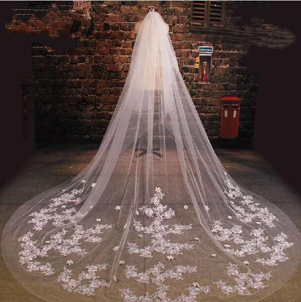 Handmade Flowers Beaded White Tulle Cathedral Train Wedding Veil 2017 Lace Applique Long Bridal Veils Wedding Accessories