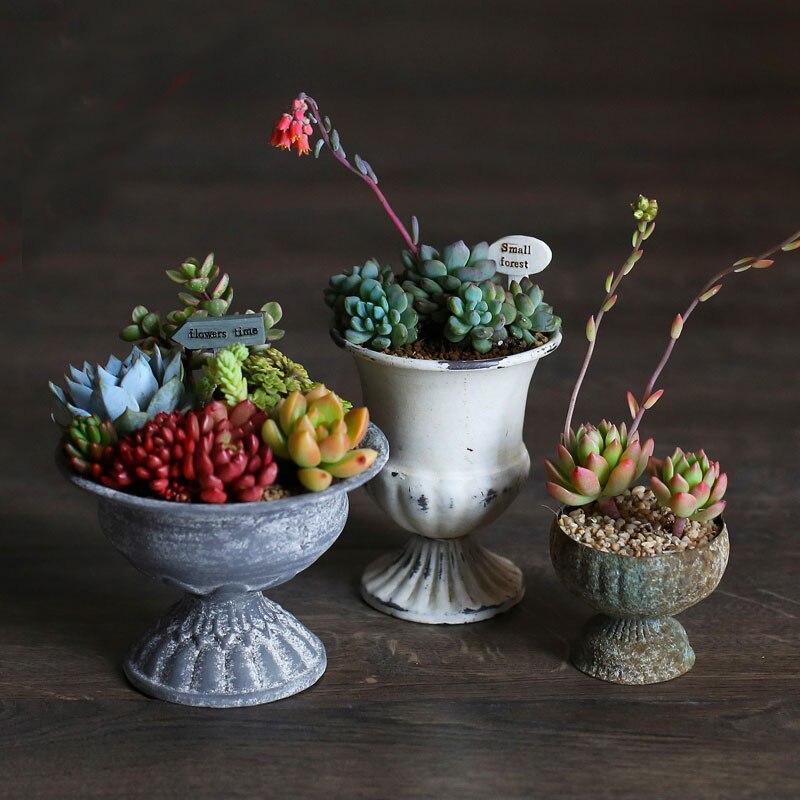 Ev ve Bahçe'ten Kase ve Tabaklar'de 1 adet metal çiçek saksıları yetiştiricilerinin Avrupa tarzı vintage kaplama Kabartma Demir tencere Etli tencere ev dekorasyon çiçek vazo title=