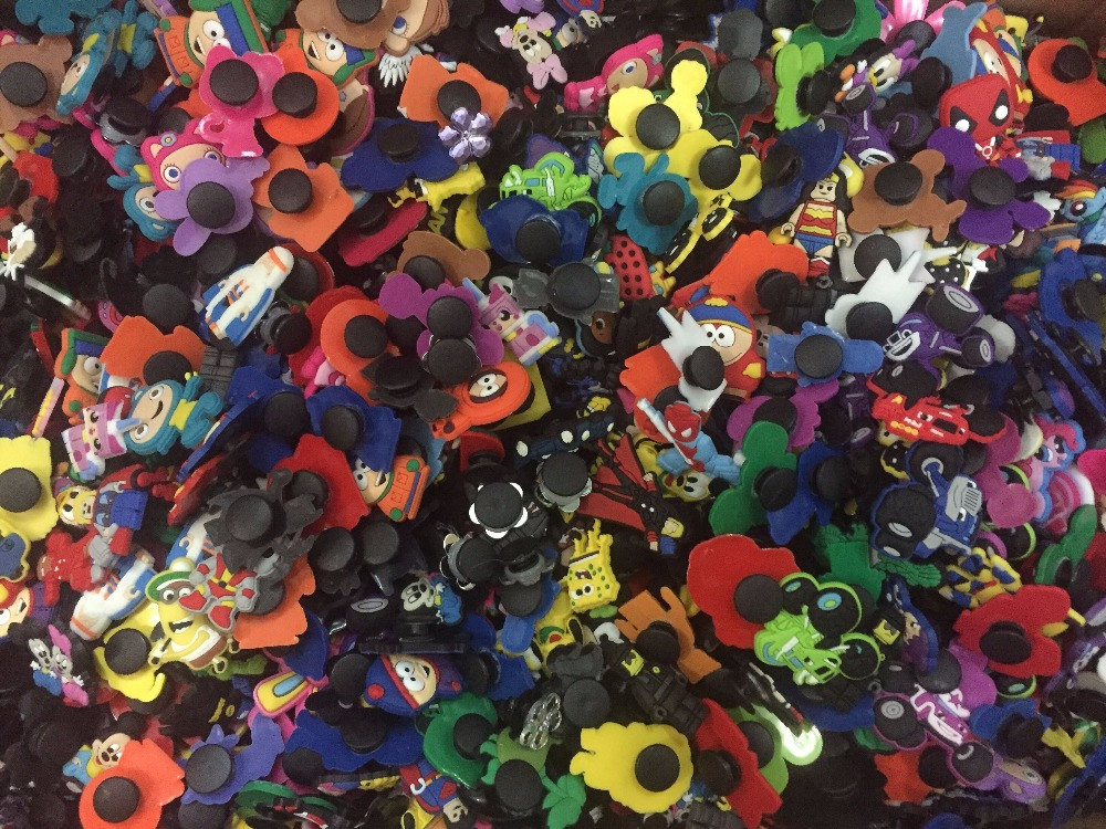 Free DHL or EMS,1000pcs Mixed Different Random PVC Shoe Charms Shoe Accessories Decoration Kids Party Xmas Gift server memory 1g pc3200r ecc reg dhl ems free shipping used disassemble