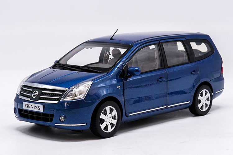 1:18 Diecast Model for Nissan GENISS Livina Blue MPV Alloy Toy Car Miniature Collection Gifts autoart 1 18 nissan alto skyline nismo s1 alloy model car page 5