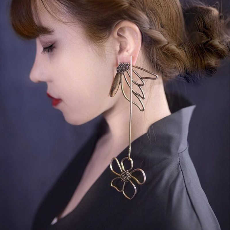 ins So Cool Vintage Alloy Flower Exaggerated Dangle Earrings For Women 2018 Asymmetric Super Long Korean Earrings Girls Brincos