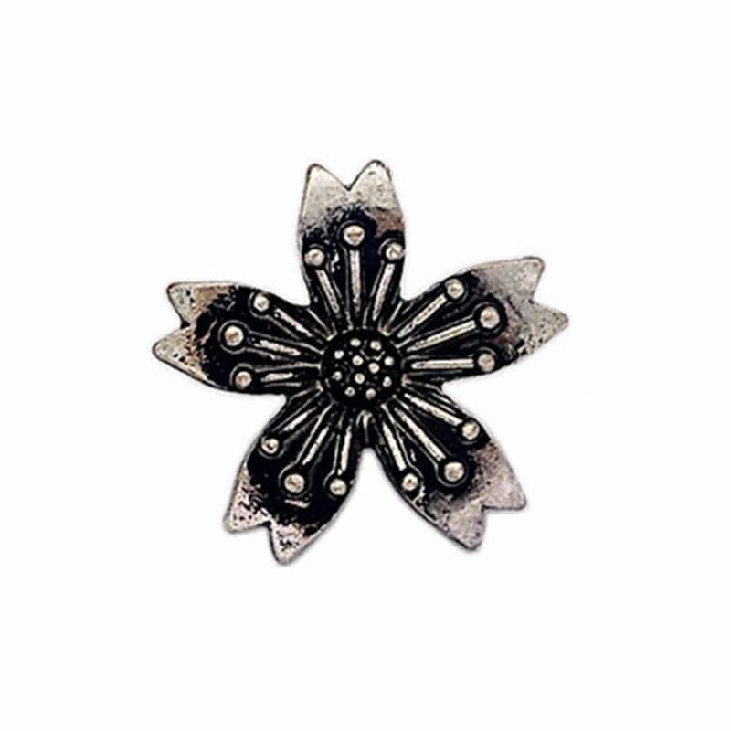 c7e4043c487 ... Vintage Japanese Style Sakura Silk Scarf Buckle Jk Uniform Brooches  Sculpture Pin Fashion Brooch Jewelry Accessories ...