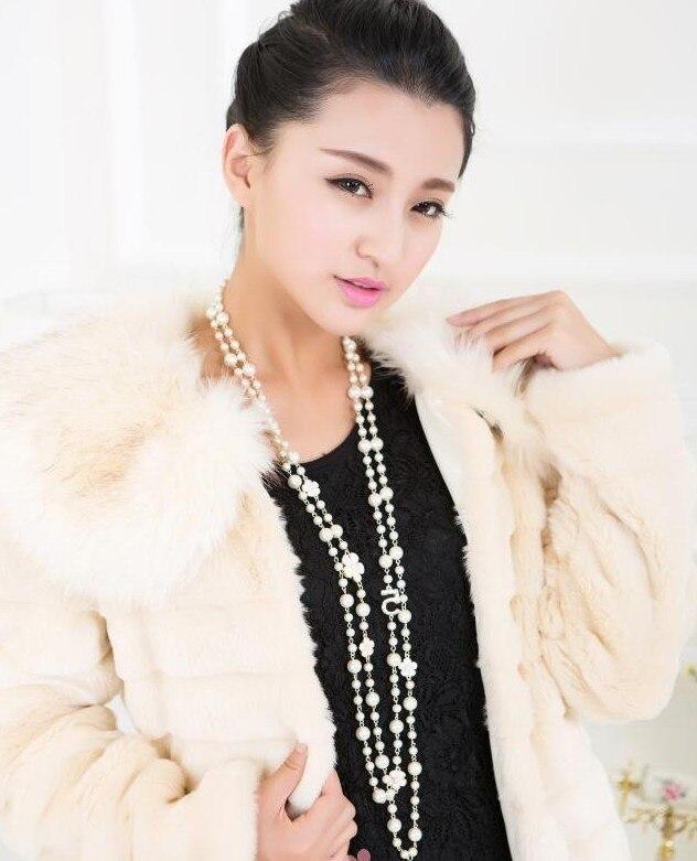 99bd26182395 Nuevos encantos largo collar de cadena de cuerda de oro de la joyería  de-Color