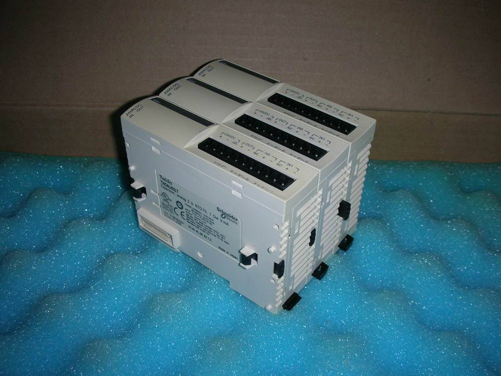 Extended PLC genuine original 2 into a thermocouple TWDALM3LT (Discontinued