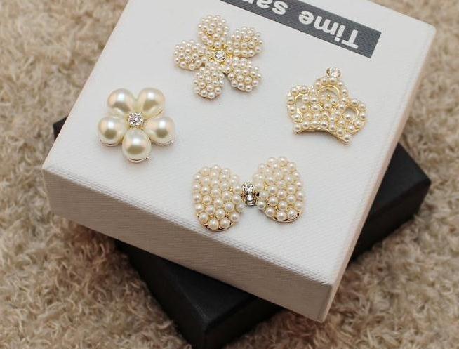 3ac936de35ea 50 unids lote 6 Botón del rhinestone del metal con perla de la flor del  pelo de la boda invitación scrapbookin