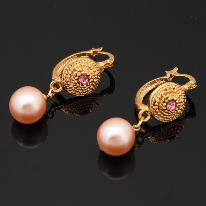 High Quality 18 Yellow Gold Plated Pink Pearl Earring New Design Fashion Basketball Wives Earrings Factory Whole E1263 In Drop From Jewelry
