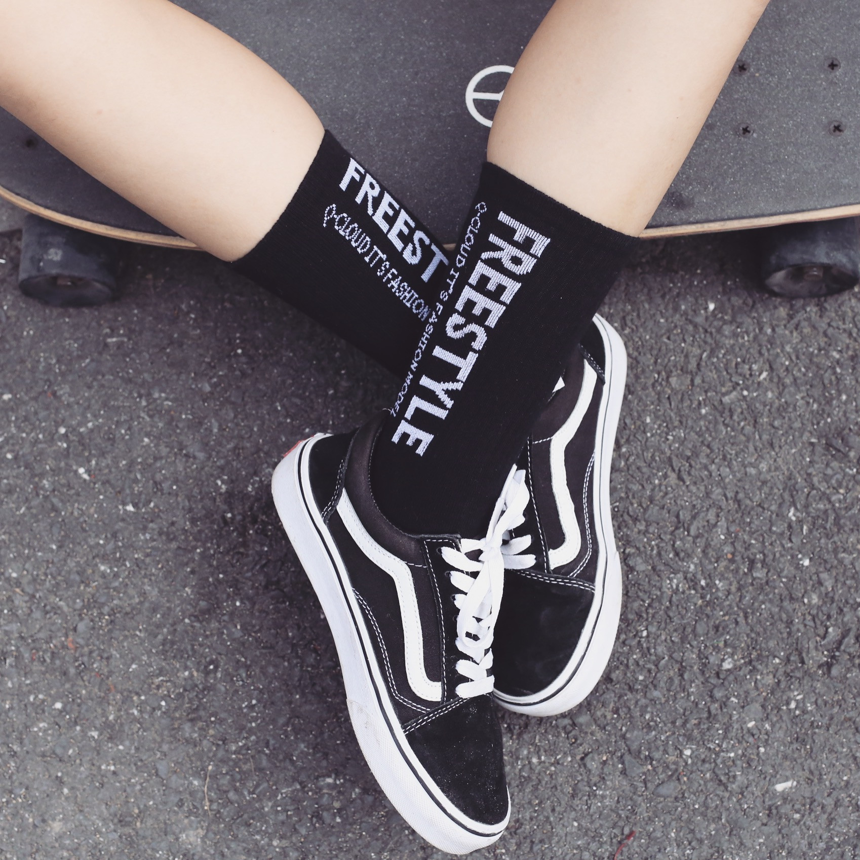 Japanese Street Ins Harajuku Style Simple Letter Socks Cotton Men And Women Couple Skateboard Socks