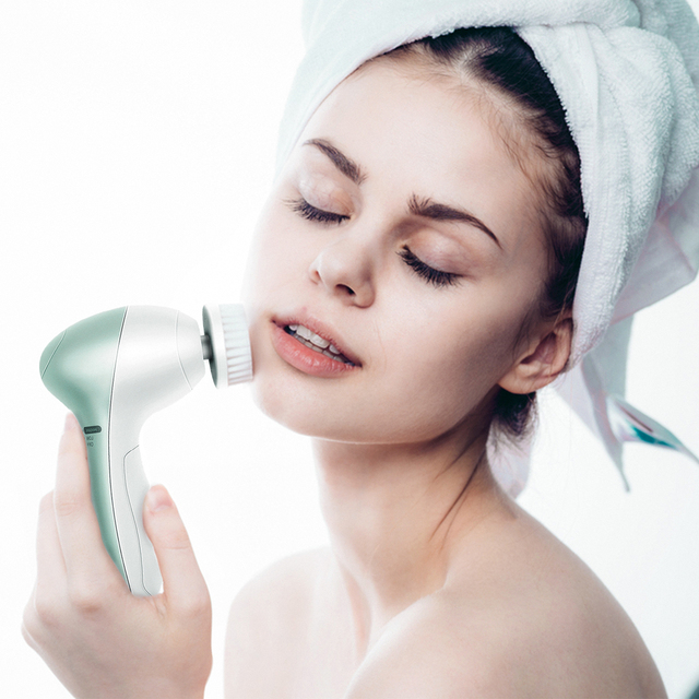 11in1 Battery Operated Facial Cleansing Brush