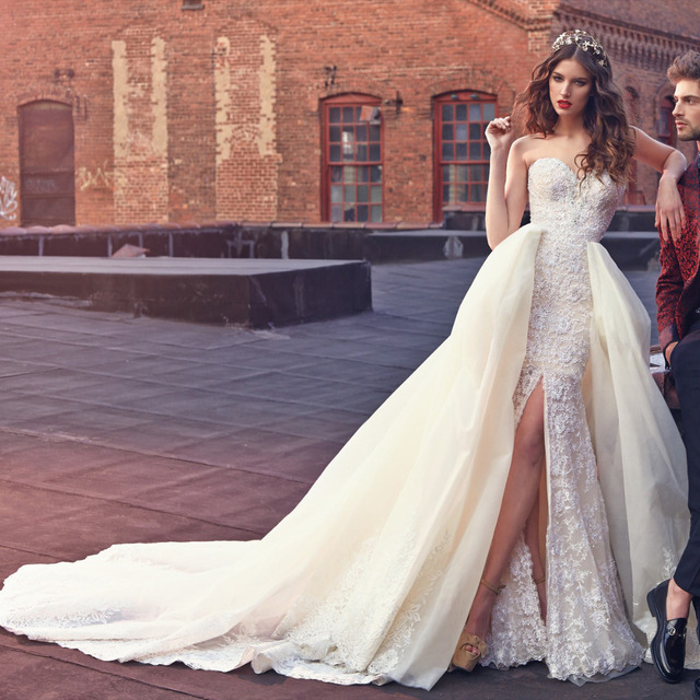 Sexy Lace Beach Wedding Dresses New Arrival Long Train Bling