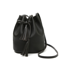 Women Bag Shoulder Crossbody Bucket Bags for Women 2018 Summer Tassel Women Bags Leather Purses Luxury Handbags Famous Brand