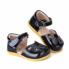 Tipsietoes 2018 صيف جديد أزياء الأطفال أحذية طفل الفتيات الصنادل أطفال الأولاد الصنادل الجلدية مغلقة أصابع القدم شحن مجاني