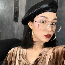 Boinas de cuero de imitación de mujer ROSELUOSI Otoño Invierno de Color  sólido de cuero PU Gorra de fieltro Boina sombreros Boin. 3758c928a83