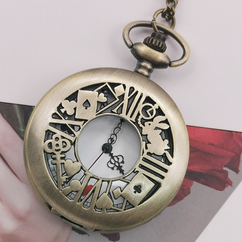 Fashion Unisex Mplaying Cards Pattern Carving Necklace Pendant Quartz Pocket&Fob Watch Retro Bronze With Chain Gifts