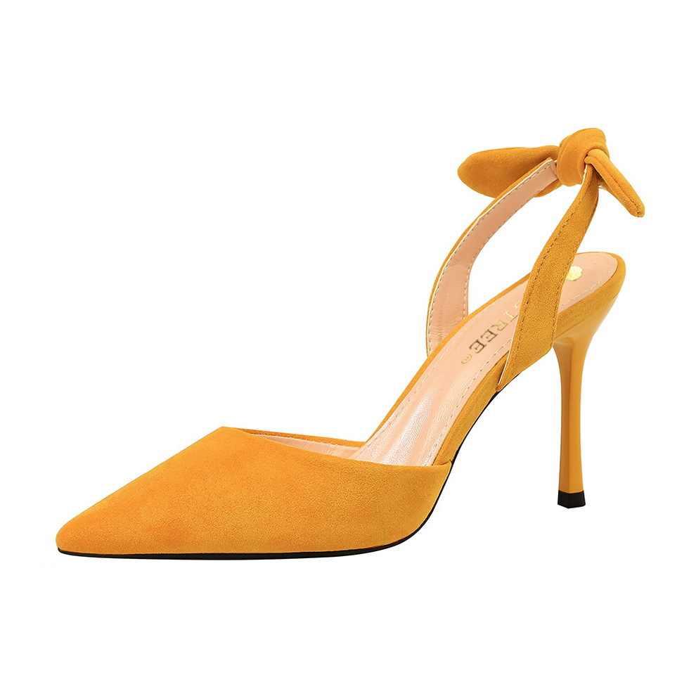Kore moda ince topuk, süper yüksek topuk, süet, sığ, sivri, delikli, küçük yay bağlı sandalet