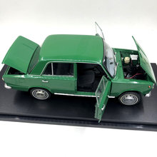 1/18 Out Of Print Fine Edition Special Die-casting Metal Russia 1200 Fiat 124 Simulation Car Model Home Display Collection(China)