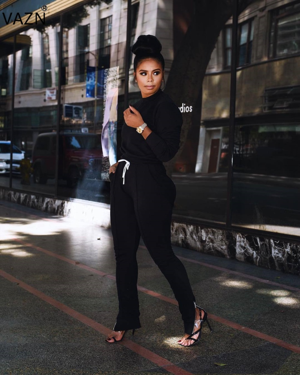 VAZN 2018 Hot Fashion Casual Solid 2-Pieces Hollow Out  Sets Ladies O-Neck Full Sleeve Tops Full Length Pants Tracksuits ARM8028