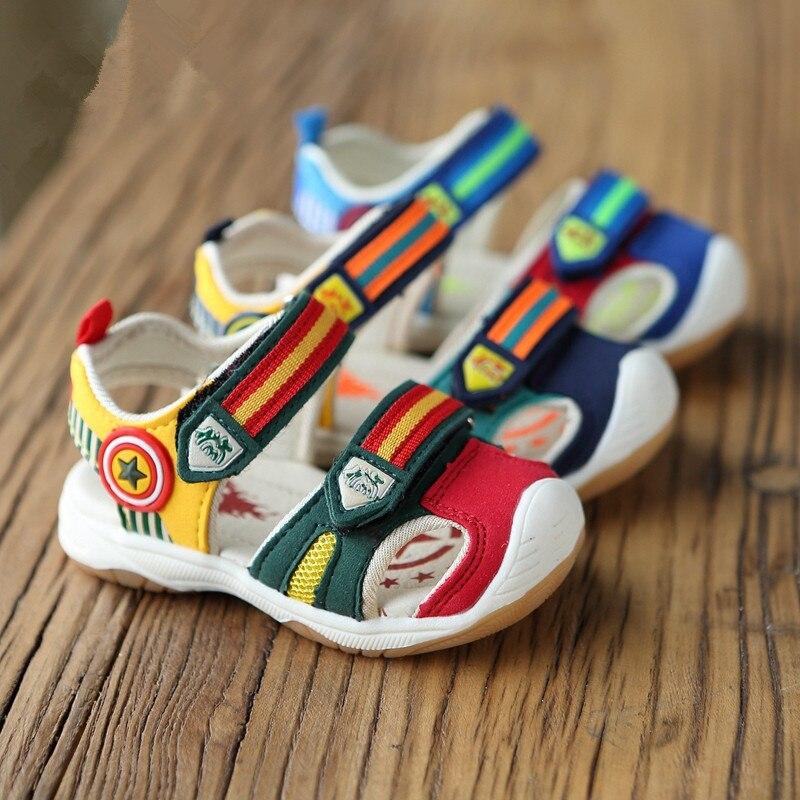 100% QualitäT Top Verkauf Jungen Sandalen Mit Led-licht Sommer Kapitän Marke Jungen Mädchen Weiche Schuhe Kinder Mode Strand Sandalen Größe 21-26
