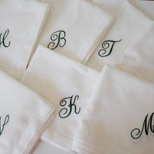 Скрипт шрифт монограмма вышитые белые салфетки для обеда, белая салфетка для подарка на новоселье свадебного события