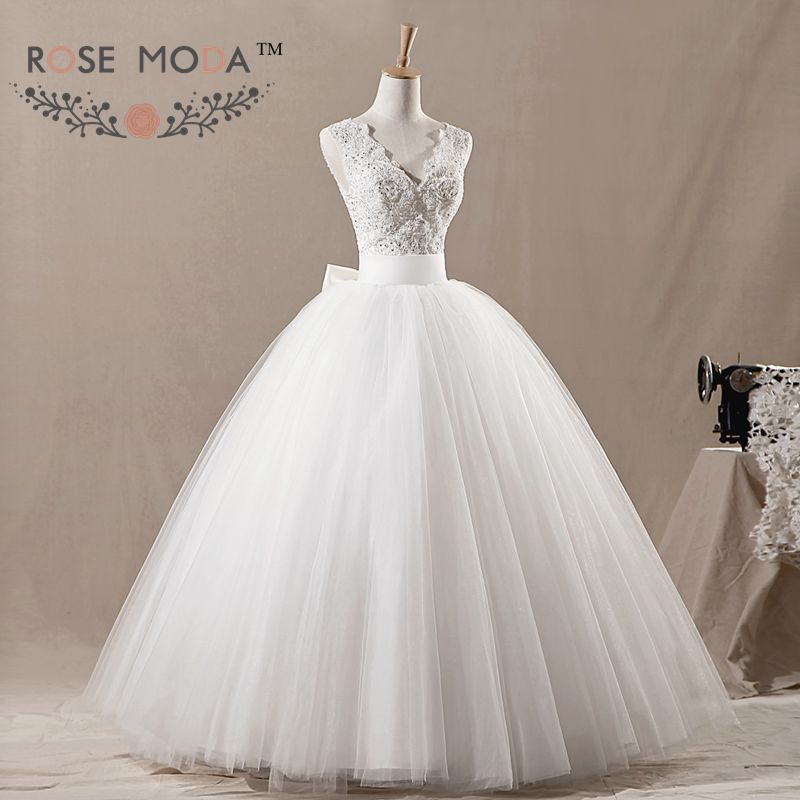 V neck fluffy tulle wedding ball gown beaded lace corset for Big tulle ball gown wedding dress