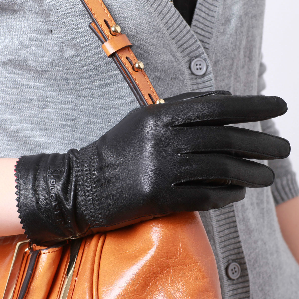 Womens leather gloves reviews - Genuine Leather Gloves Fashion Women Warm Winter Gloves Long Wrist 100 Sheepskin Natural Leather Guantes Black Brown M L