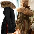 Abrigos de invierno Parka con capucha de piel Mujeres Chaquetas Mapache Verdadero Damas de Cuello de piel Gruesa Grande cuello de piel con capucha de Down Parkas ropa
