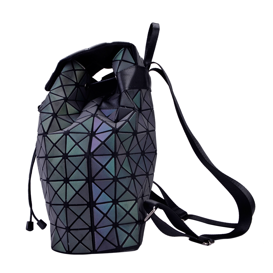 LEATURY Backpack Women Fashion Bags Large Capacity Laser Lattice Geometric Luminous  Backpack School Bags Female Mochila escolar 03dd425c662df
