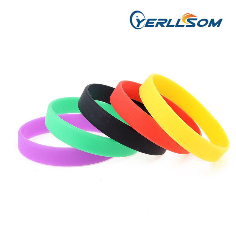 YERLLSOM Free shipping 500pcs Mix purple,green,black,red and yellow colors blank silicone bracelets for promotional gifts-in Charm Bracelets from Jewelry & Accessories    1