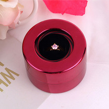 Women's fashion designer wedding Creative Round rotating wedding gift boxes for rings showing jewelry store cover enough
