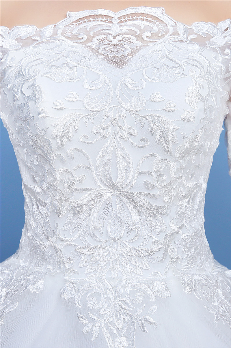 Simple Lace Embroidery Half Sleeve Luxury Big Royal Train Wedding Dress  2018 Boat Neck Off the Shoulder Elegant Vestido De Noiva-in Wedding Dresses  from ... 65d85a78aff0