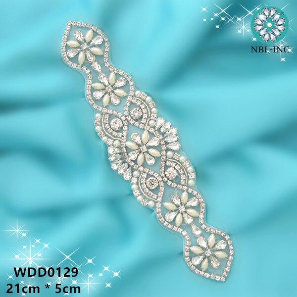 (30 STÜCK) Großhandel hand nähen braut schärpe perlen kristall silber strass perle applique für hochzeit kleider gürtel WDD0129-in Strass-Steine aus Heim und Garten bei AliExpress - 11.11_Doppel-11Tag der Singles 1
