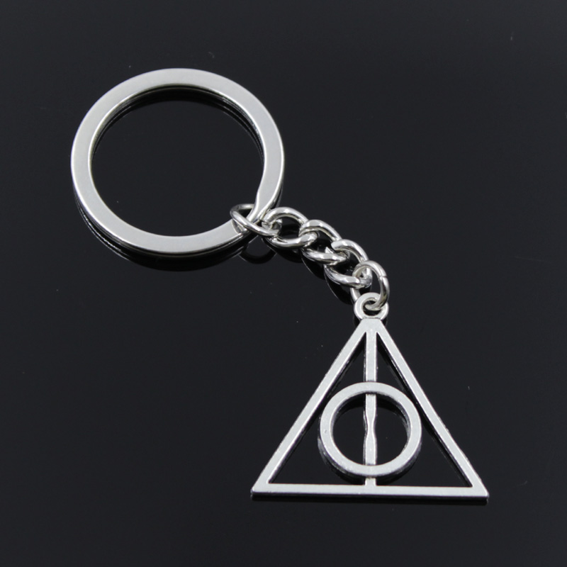 Nye mote menn 30mm nøkkelring DIY metall holder kjede Vintage Deathly Hallows 32x31mm sølvfarge anheng gave